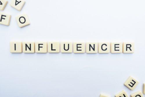 ធ្វើខ្លួនឱ្យក្លាយជាអ្នកមានឥទ្ធិលពលក្នុងបណ្ដាញសង្គម (Influencer)